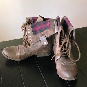Aeropostale Boots